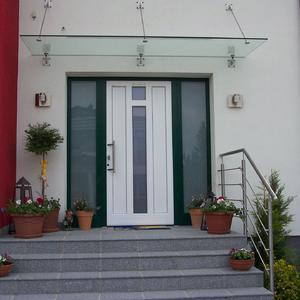9. Eingangsüberdachung