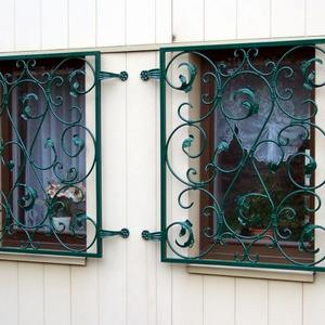 2. Schmiedeeisenfenstergitter