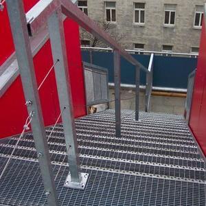 11. Gitterrostaußentreppe