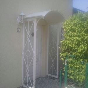 23. Eingangsüberdachung