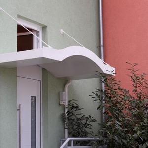 33. Eingangsüberdachung