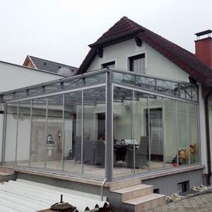 36. Terrassenüberdachung mit Glasschiebetüren