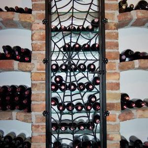 1. Tür für Weinregal