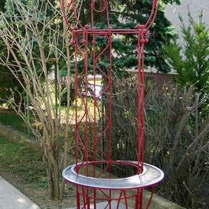 4. Obelisk